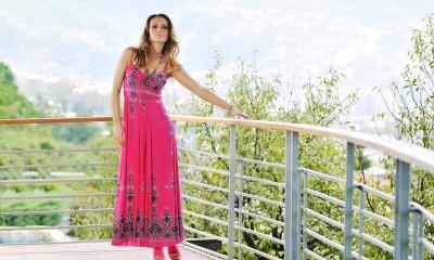 Letní šaty 2012  Nebojte se květů a etno vzorů! — Móda Blog efe4cd35978